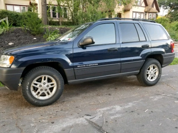 2004 - Jeep - Grand Cherokee Laredo 1