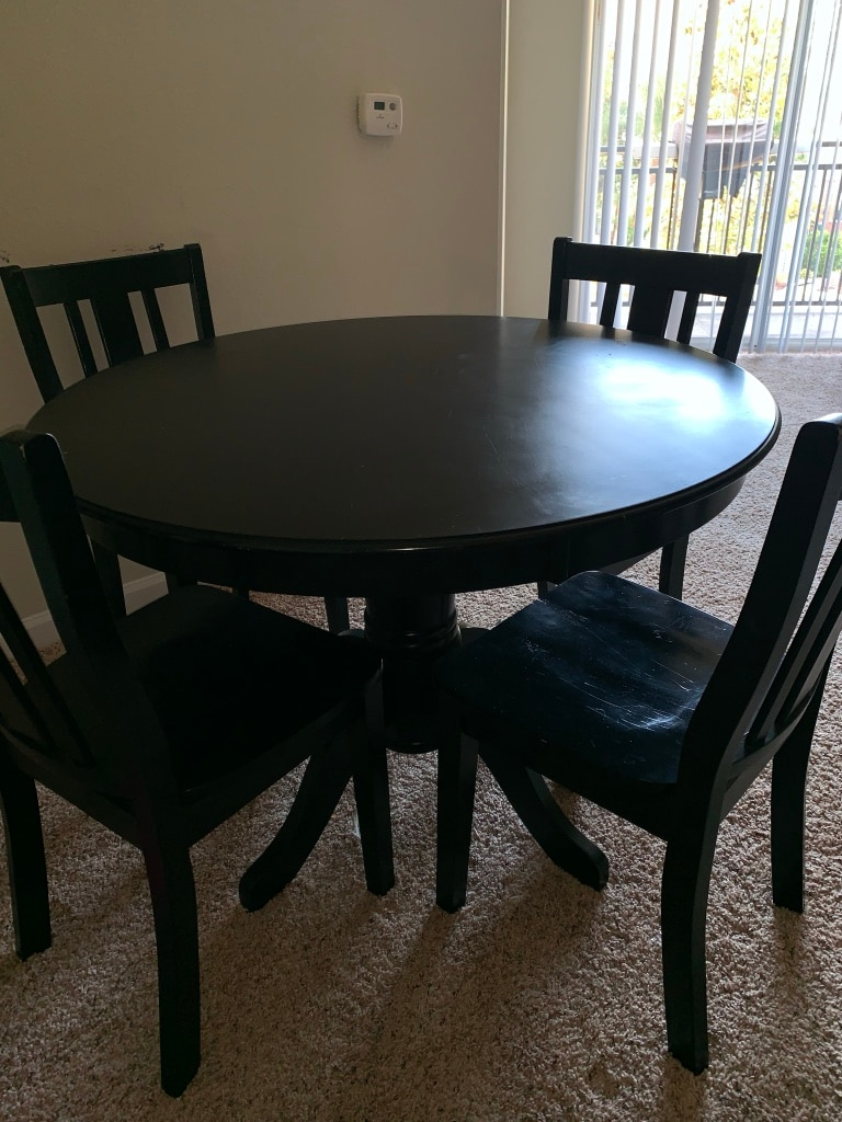 used round table 4 chairs must go for sale in tampa letgo rh se letgo com