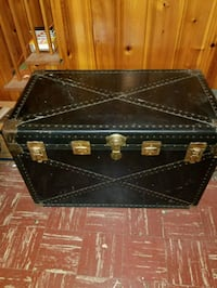 Huge antique trunk circa 30s to 40s vintage Myersville, 21773