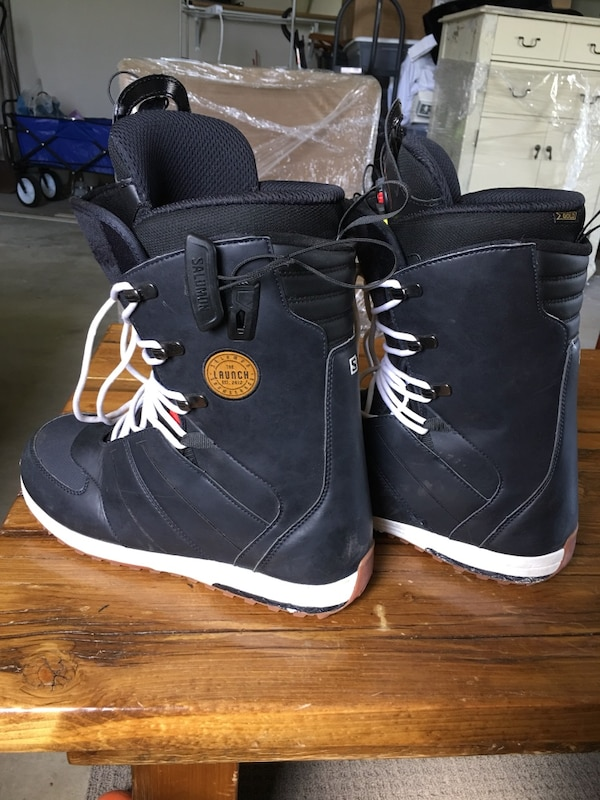 Used 2018 salomon launch snowboard boots! for sale in South