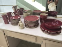 Red and white ceramic dinnerware set Thousand Oaks, 91360