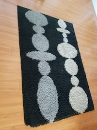 black and white area rug Surrey, V4N 0G9