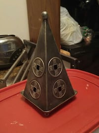 Pyramid candle holder