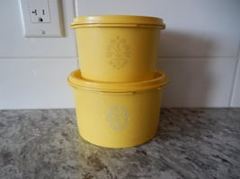 """*Vintage* Tupperware Containers. 3"""" x 6"""" #1298-11 and 3"""" x 5"""" #1297-11. $15 for the pair PU Morinville"""