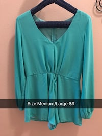 teal v-neck long-sleeved shirt