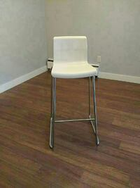 3 White high chairs  New Westminster, V3L 1E4