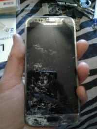 cracked gray Samsung smartphone s8 Fort Erie, L2A 3K3
