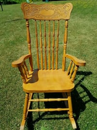 brown wooden windsor rocking chair Clarence-Rockland, K0A