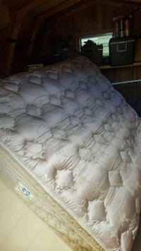 Queen pillow top mattress  Whitney Point, 13862