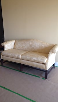 Loveseat/sofa - gold fabric, carving detail on legs, excellent condition  Vaughan, L4J 9K1