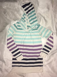 Gap sweater for girls Calgary, T2Y 5H4