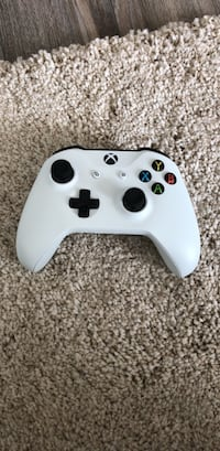White and black xbox one controller Vienna, 22182