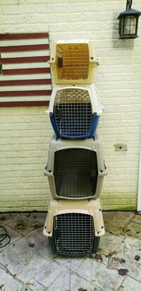 Medium or small dog crate Charles Town, 25414