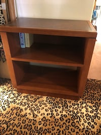 TV stand very strong wood no damage and good condition like brand new Las Vegas, 89102
