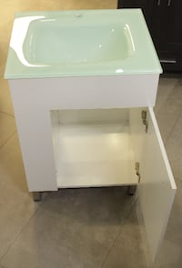 Moon 24 in with Cristal sink Hollywood