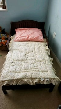 Mohagany toddler bed 38 km