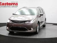 2017 Chrysler Pacifica Touring-L Temple Hills, 20748