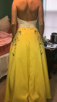Yellow flare prom dress Pink Hill, 28572