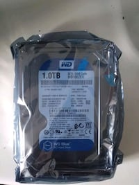 black and blue Western Digital hard disk drive Toronto, M1B 5C8