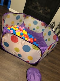 Collapsible Ball Pit + 100 Ball Pit Balls Calgary, T3R 0T6