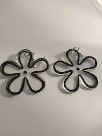 Loveliest Flower Pierced Earrings! Chicago
