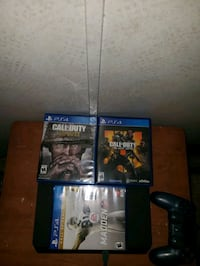 Ps4 with one controller and 3 games Goshen, 46526