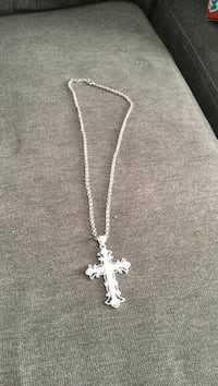 Silver-colored cross pendant necklace 535 km