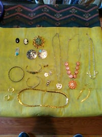 Mixed jewelry lot Hedgesville, 25427