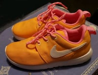 Girls Nike new STUNNING shoes size 13us Centreville, 20120
