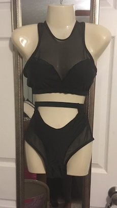 black 2-piece bikini set