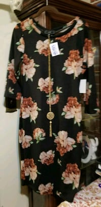 black and pink floral print long sleeve dress District Heights, 20747