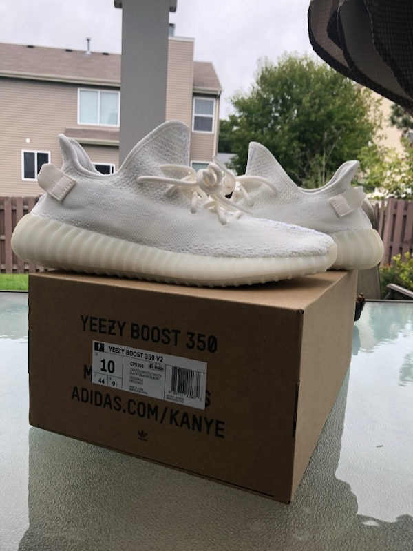 95ea1387f56a2 Used Pair of white adidas yeezy boost 350 with box for sale in Round Lake -  letgo