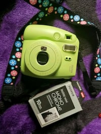 like new instax mini 9