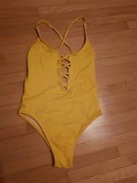 XS bright yellow full-piece bathing suit Mississauga, L5W