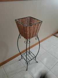 Very Nice plant stand
