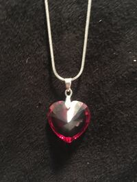 Swarvoski crystal heart necklace sterling silver plated chain Leduc, T9E 5R6