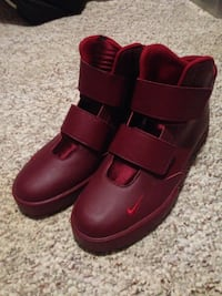 red Nike velcro high-top sneakers 3139 km