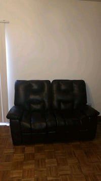 blk leather recliner sofa set w/end tables & lamps Westerville, 43081