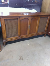 brown wooden console radio Forest Hill, 76119