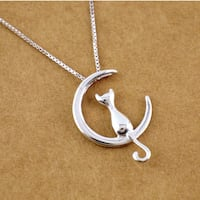 New sitting cat kitten necklace