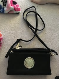 Black michael kors leather crossbody bag Baltimore, 21225