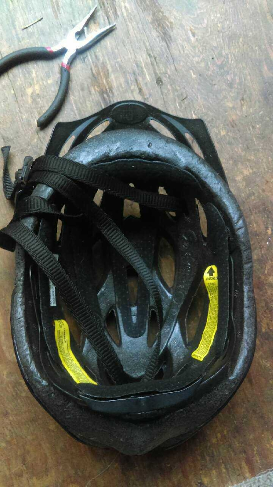 black bike helmet - CA