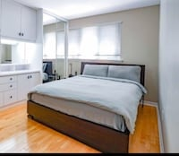 Queen bed with mattress  Toronto, M1T