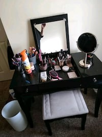 Black cosmetic vanity with stool two drawers0 39 km