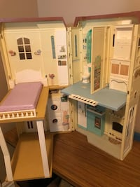 Barbie House and Barbie dolls