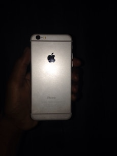 Iphone 6 silver mint condition i cloud locked