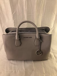 Michael kors brand new with tags Reisterstown, 21136