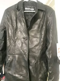 Kenneth Cole leather was 498.new gently used Crofton, 21114