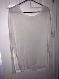 women's gray scoop-neck long sleeve shirt Montréal, H1P 2Y3