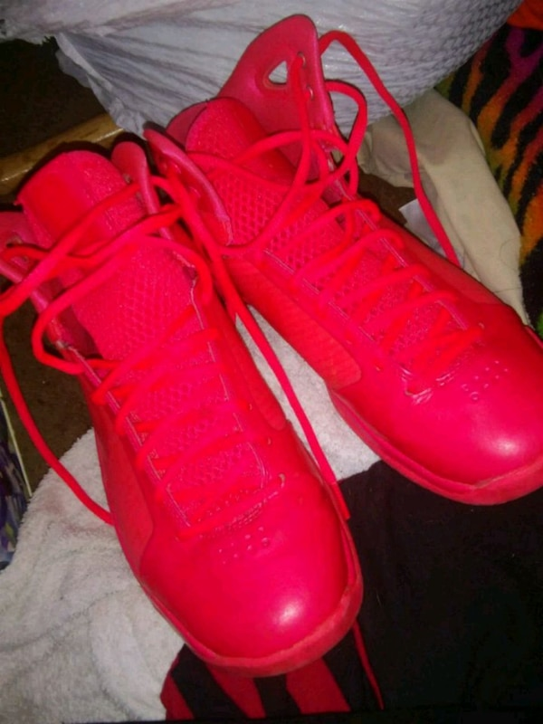 38c3520440ee Used Neon Nike Shoes for sale in Anderson - letgo